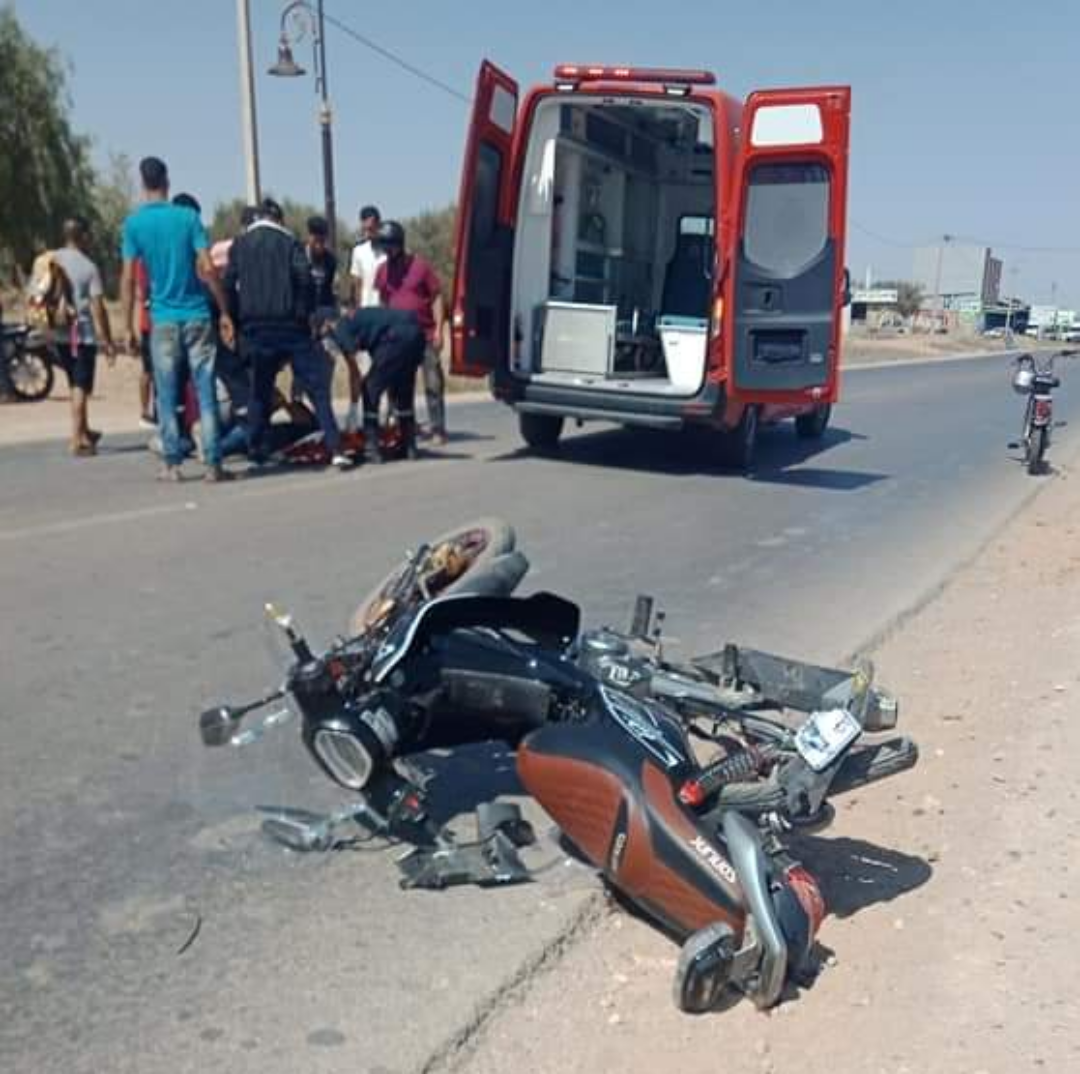 حادثة سير خطيرة بين سيارة خفيفة ودراجة نارية