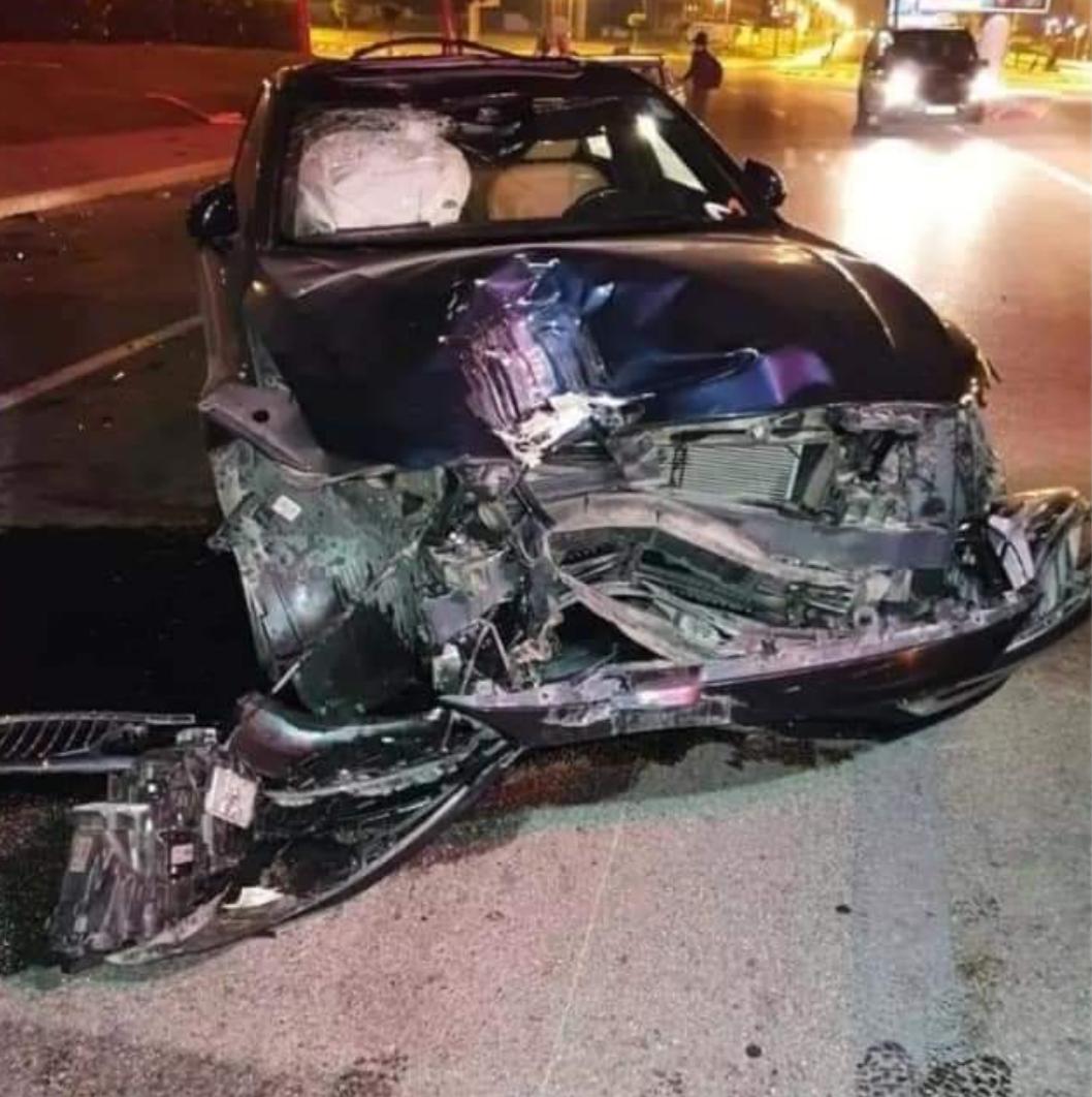"""نجاة ومقدم برامج بقناة """"ميدي 1"""" من موت محقق في حادثة سير"""