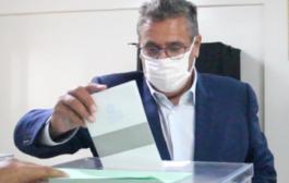 اخنوش يدلي بصوته في الانتخابات 2021